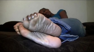 Mature and ratchet looking feet on a hood playgirl