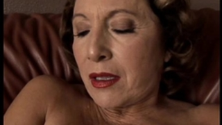 Gorgeous granny with worthy large breasts bonks her moist twat for u