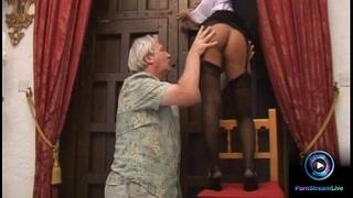 Luscious valentina velasquez gives fleshly footjob to old man