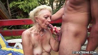 Mature szuzanne plays with a juvenile dick