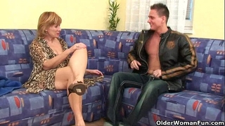 Granny acquires her unshaved snatch screwed unfathomable