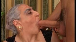 Granny hawt large penis italian - nonna scopa cazzo giovane e duro