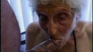 Very old granny still likes to be screwed