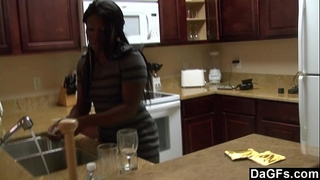 Ebony with a large gazoo acquires screwed during the dishes