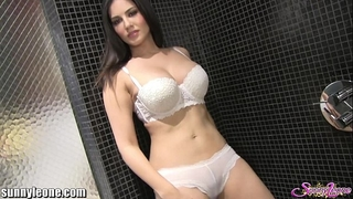 Sunnyleone masturbating in my shower