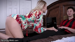 Best allies cougar mamma is starving for my 10-Pounder!