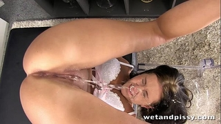 Bigtits cheating wife receives make water in face hole